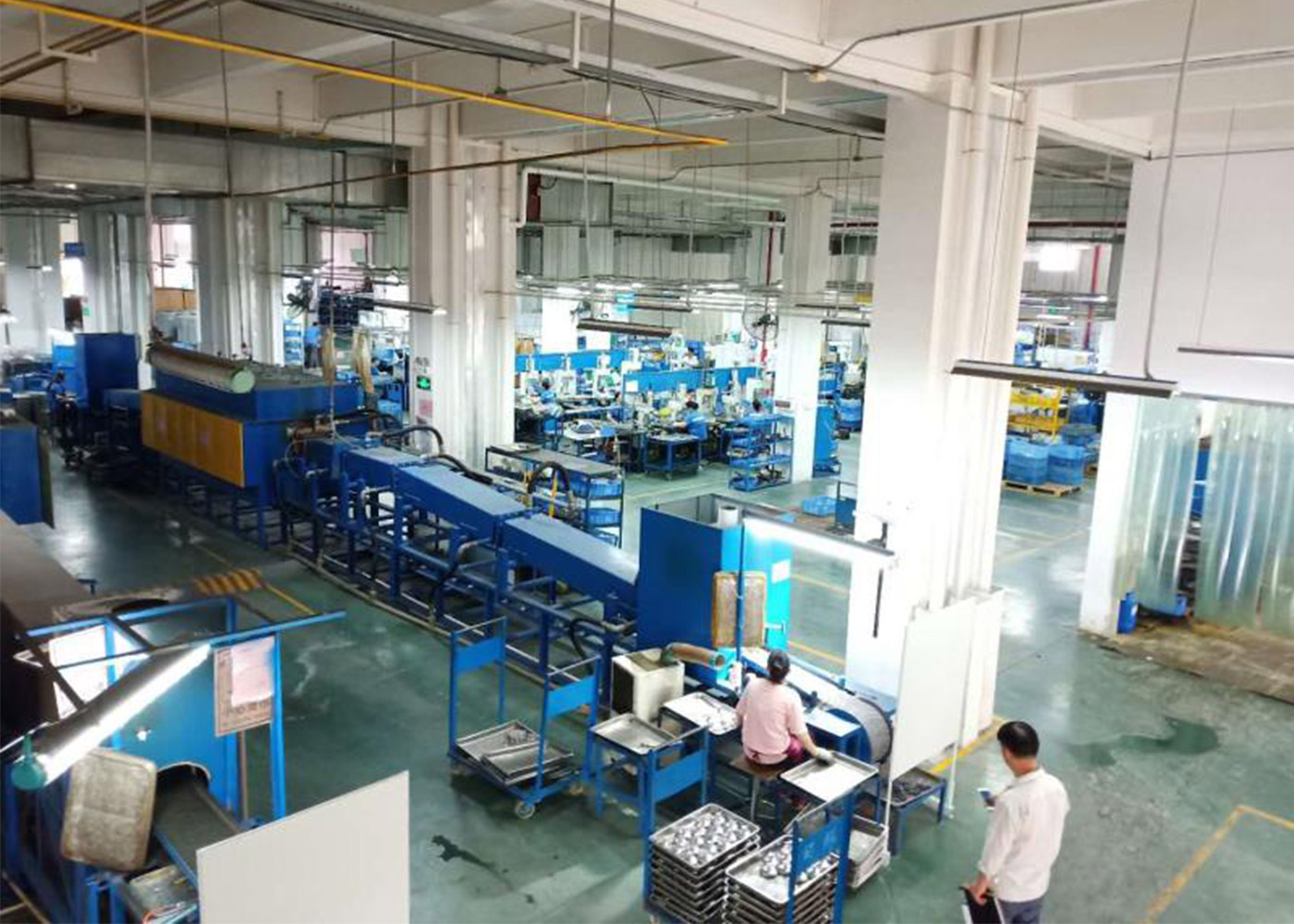 Automobile parts brazing furnace using site